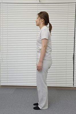 ■肩こりを悪化させる姿勢や動作